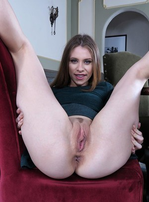 Hairy Pussy Spreading Porn